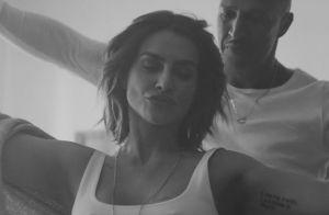 Cleo troca beijos com rapper Mano Brown em novo clipe: 'Ídolo pessoal'. Veja!