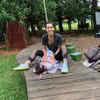 Ex-BBB Adriana Sant'Anna é uma mãe bastante dedicada