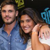 Giulia Costa exibe anel igual ao de Philippe Correia em show do Jota Quest. Foto
