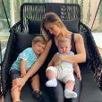 Andressa Suita curte momento de descanso com os filhos, Gabriel e Samuel