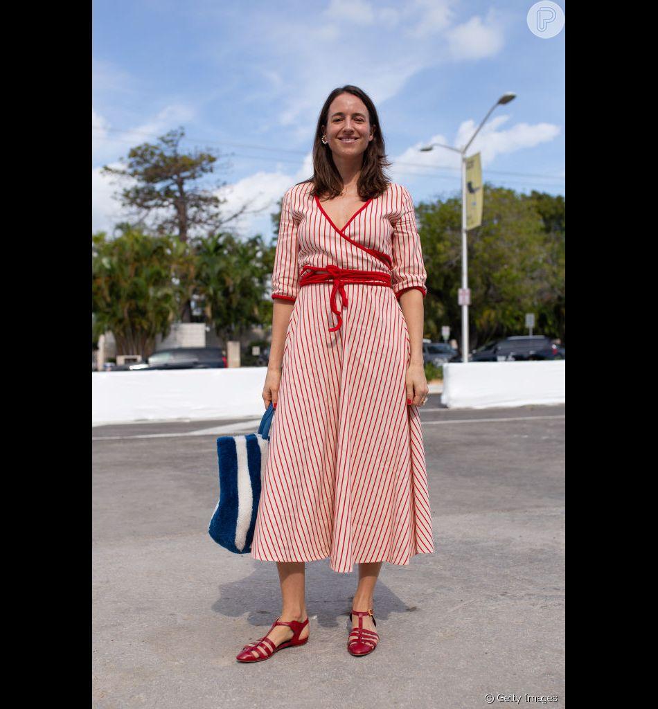 c2f32abdf6 Produções com sapatos baixos para provar que conforto e estilo andam juntos