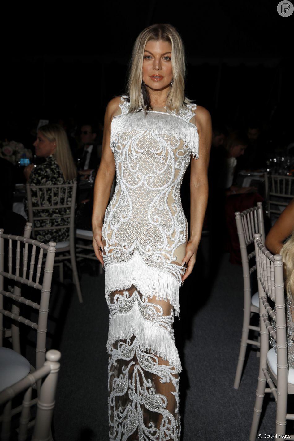ece4b6a5a Fergie usou look by Patricia Bonaldi no gala da amfAR, em Los Angeles, em  2017