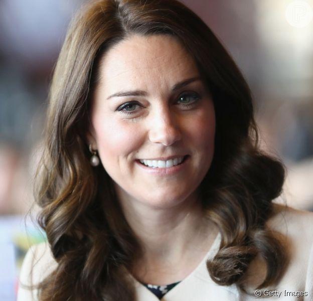Veja fotos de 15 vezes que Kate Middleton repetiu looks