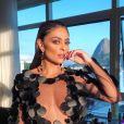 Autêntica: o vestido preto com muita transparência já foi aposta de Juliana Paes