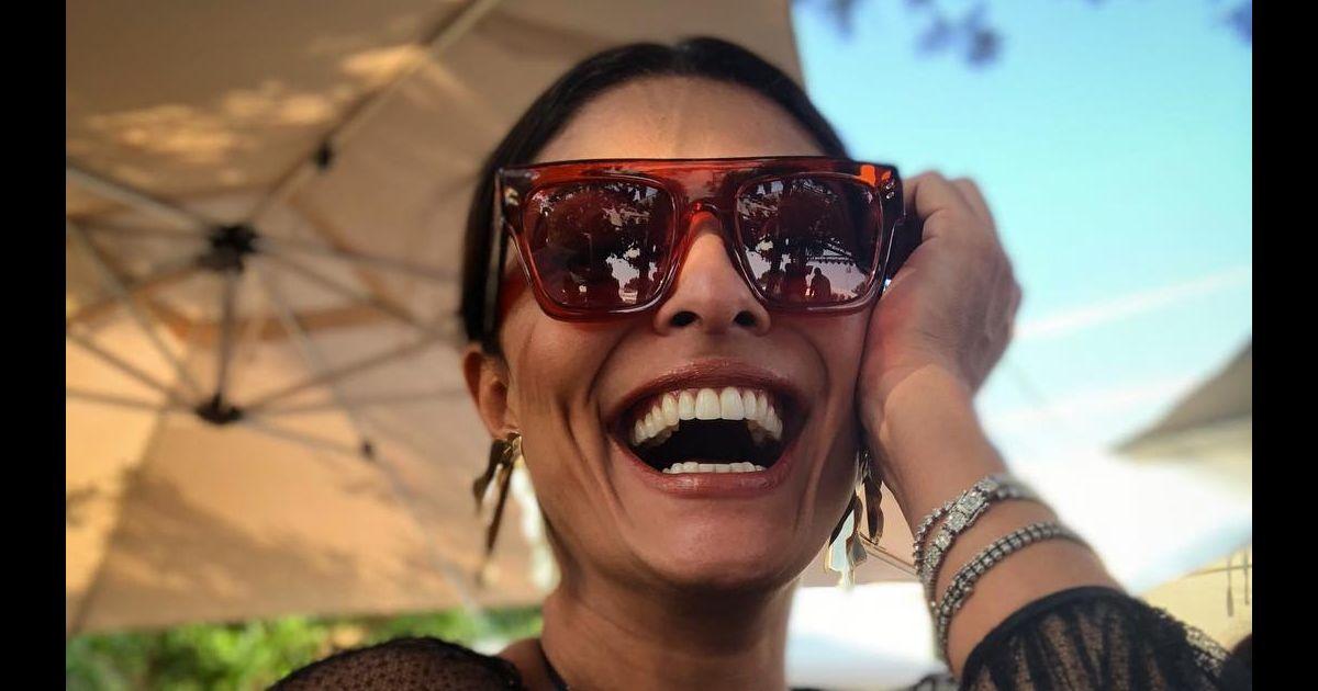 a832e4dbe341f O óculos de sol no estilo máscara, bem grande e estiloso, é um dos  favoritos de Juliana Paes - Purepeople