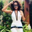 O conjuntinho branco com listras, bem fashionista, também já foi escolha de Juliana Paes