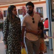 Cauã Reymond passeia com a namorada, Mariana Goldfarb, e a filha, Sofia. Fotos!