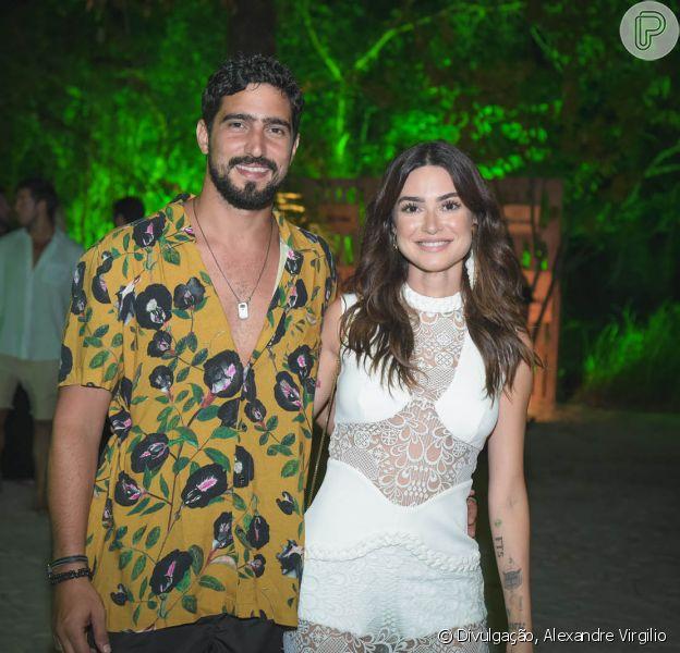 Thaila Ayala foi surpreendida por Renato Góes com pedido de casamento: 'Eu disse sim!'