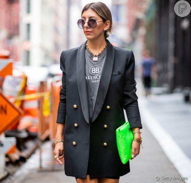 T-shirt + blazer