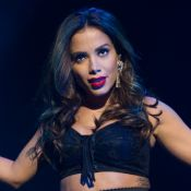 Anitta faz passeio de lancha com Ronan Carvalho e David Brazil entrega: 'Boy'