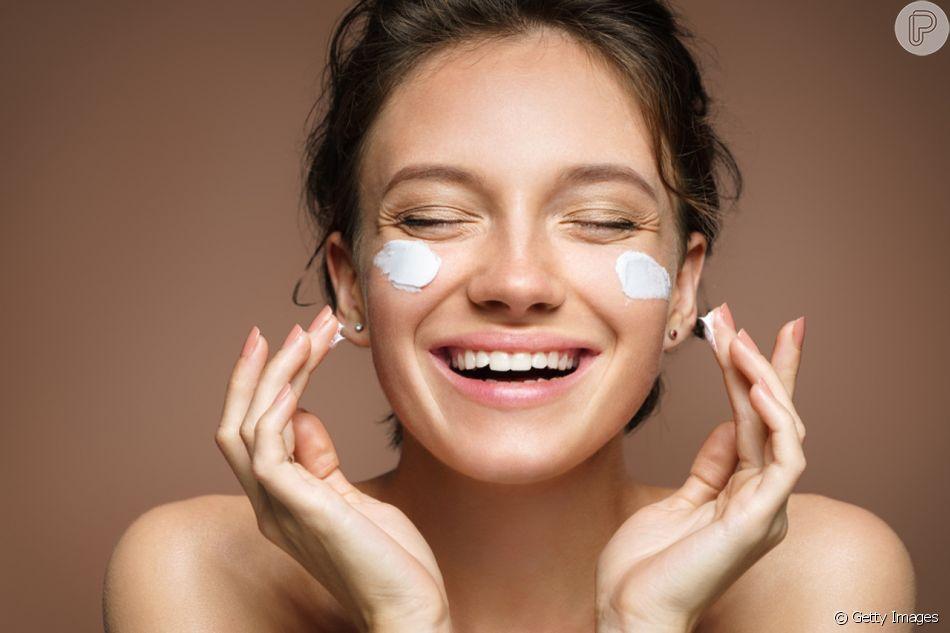 Uma das dicas para começar uma rotina de beleza sustentável é entender a composição dos produtos de beleza