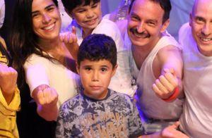 Filhos de Wanessa Camargo roubam a cena com caras e bocas no teatro. Fotos!