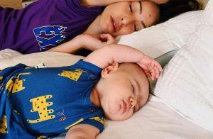 Sabrina Sato dorme com filha e Zoe encanta fãs com clique: 'Tá japinha na foto'