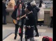 Em Paris, Nego do Borel ajuda a emplacar show de cantor de rua. Vídeo!