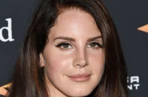 Lana Del Rey fará shows em cemitério após cancelar turnê na Europa
