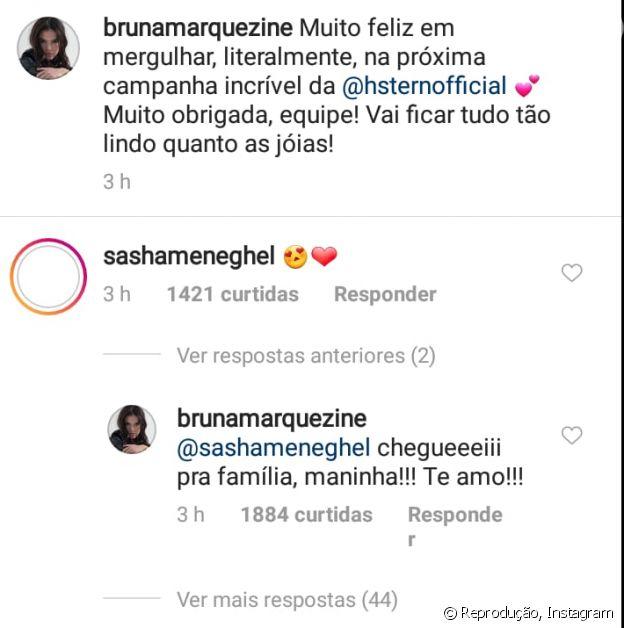 Marquezine faz fotos em piscina e ganha elogio de Sasha