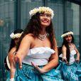A canga ou a saia azul podem compor uma fantasia de baiana no Carnaval