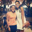 Bruna Marquezine chegou em Fernando de Noronha e jantou no restaurante da pousada Teju-Açu, na terça-feira 23 de setembro de 2014
