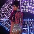 Bruna Marquezine usou peruca curtinha em Carnaval do Rio de Janeiro