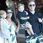 Michel Teló e Thais Fersoza se divertem com os filhos ao irem às compras. Fotos!