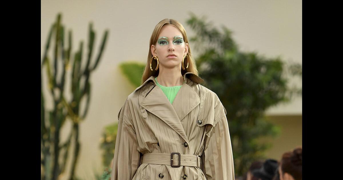Moda militar  saiba usar o estilo utilitário nos looks do dia a dia -  Purepeople 7d08a08b389