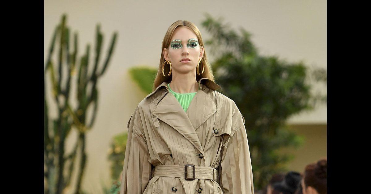 5d424bcc8 Moda militar: saiba usar o estilo utilitário nos looks do dia a dia -  Purepeople