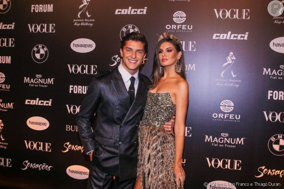 O casal Camila Queiroz e Klebber Toledo no Baile da Vogue 2019