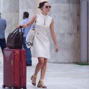 Clássica e elegante, Mariana Ximenes usa look all white em aeroporto