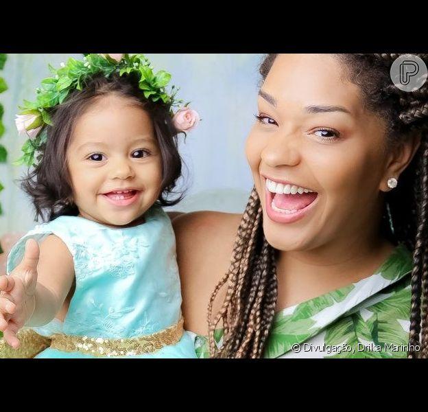Juliana Alves mostrou a filha, Yolanda, no dentista pela primeira vez em foto postada no Instagram nesta quinta-feira, 28 de março de 2019