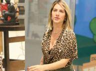 2b48ad0b91e26 Iguais! Giovanna Ewbank combina look animal print com Títi em passeio. Veja!