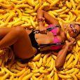 Anitta dançou 'Banana', sua nova música com Becky G, em vídeo
