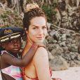 A filha de Gio Ewbank se divertiu com amiguinha Sol de Maria brincando de modelo