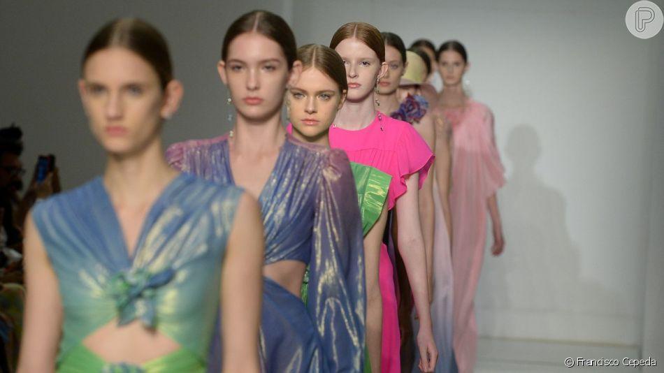 Veja as tendências do desfile de Reinaldo Lourenço na Semana de Moda de São Paulo!