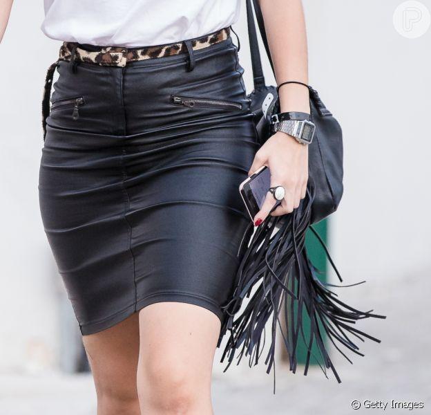 A bolsa com franjas é uma das peças-chave do estilo western, tendência cool para o inverno 2019