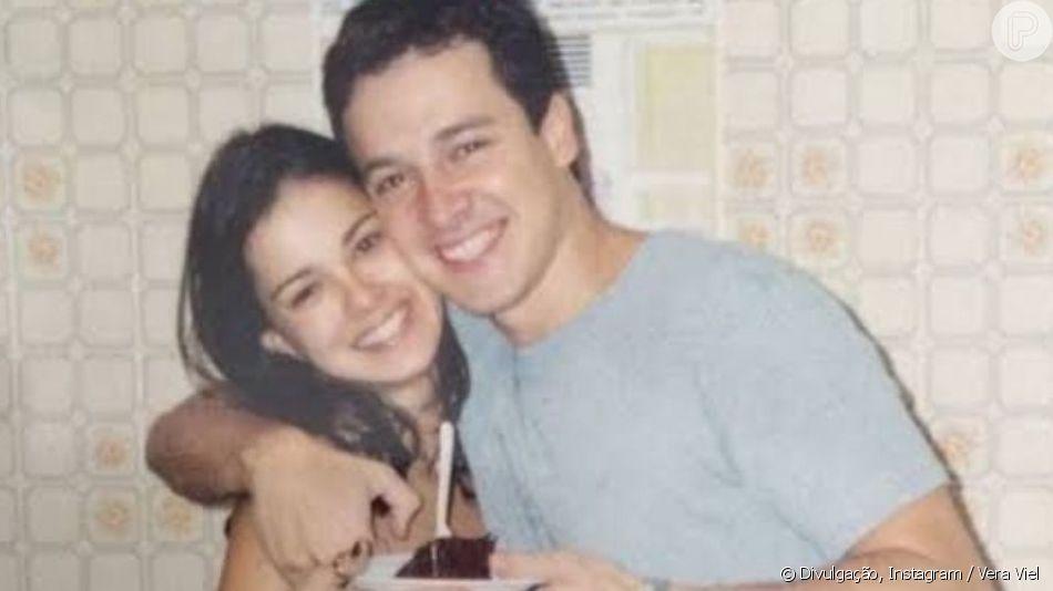 Vera Viel posta foto abraçada a Rodrigo Faro há 22 anos