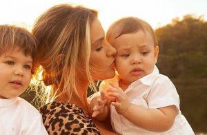 Andressa Suita combina estampa de look com mãe em foto com os filhos. Veja!