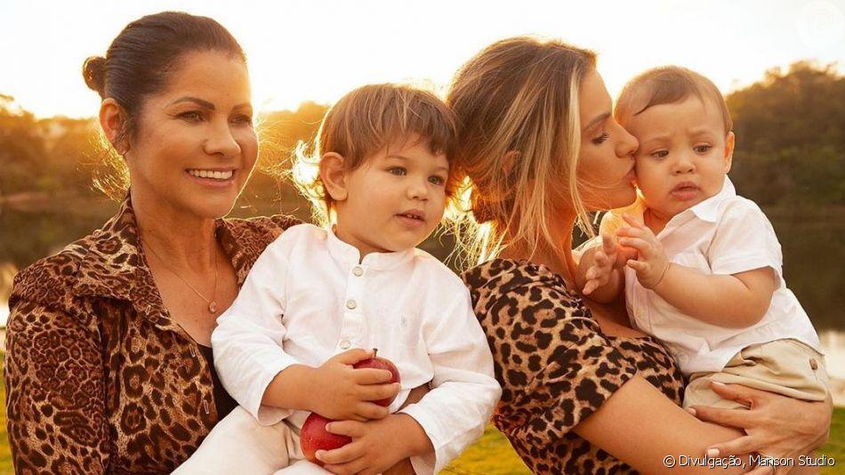 Andressa Suita combinou look animal print com a mãe, Suely, em foto com filhos neste domingo, 12 de maio de 2019