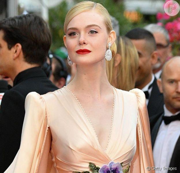 Elle Fanning em look todo Gucci para o Festival de Cannes