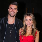 Noivos em Paris! Flávia Viana aceita pedido de casamento de Marcelo Zangrandi