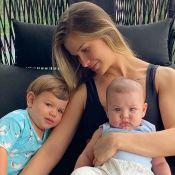 Andressa Suita se surpreende ao ver filho dentro de balde: 'Vovó que colocou?'