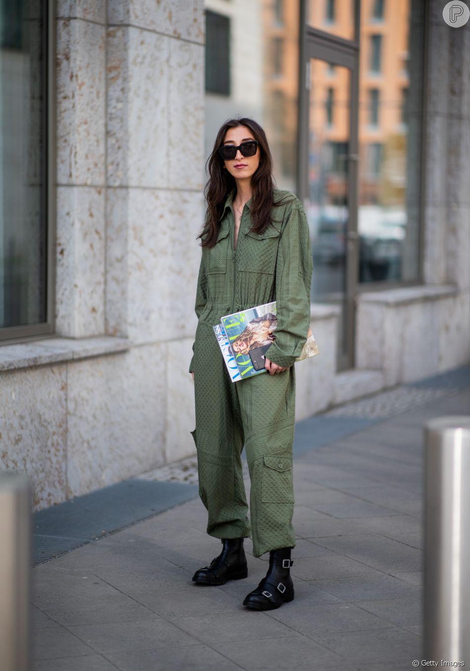 Moda utilitária: o macacão de mangas compridas e fecho frontal está na moda neste inverno