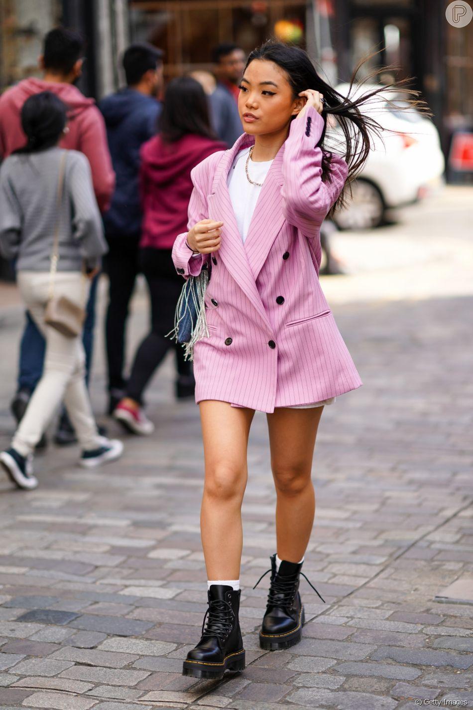 Usar o blazer como vestido é outra tendência que caiu no gosto das fashionistas neste inverno