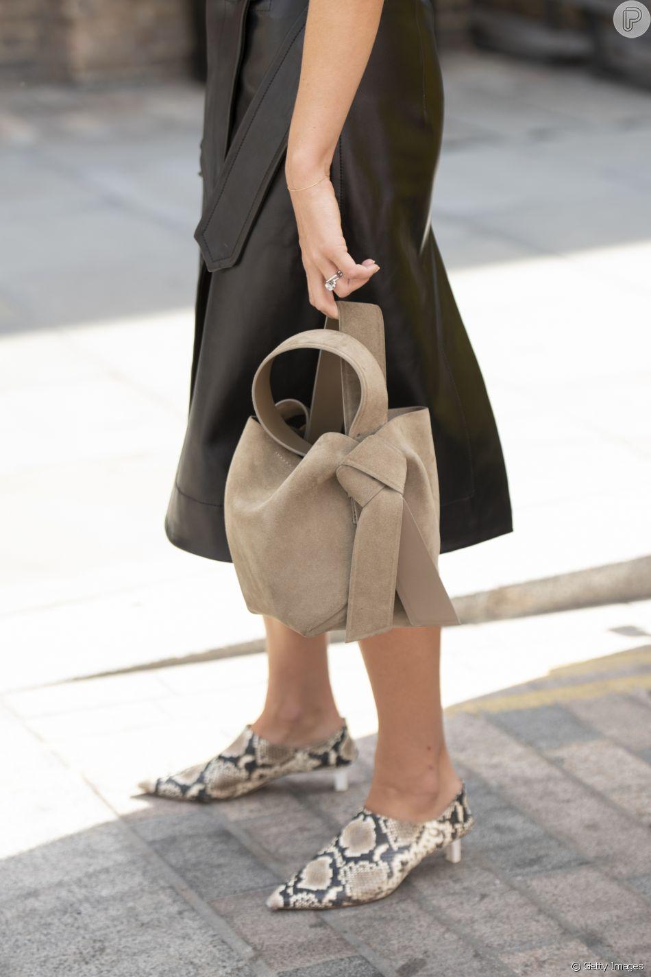 Os mules com salto baixo são tendência neste inverno para completar os looks com glamour e conforto