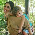 Aos 2 anos, filho de Rafa Brites surpreende com barriga sarada