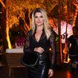 Antonia Fontenelle combinou transparência e couro em saia midi para festa de luxo de 37 anos de Simaria, no Jardins, em São Paulo, na noite desta quarta-feira, 26 de junho de 2019