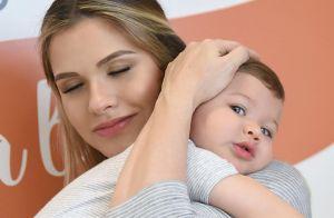 Gabriel faz 2 anos e esbanja fofura ao estrelar ensaio com a mãe, Andressa Suita