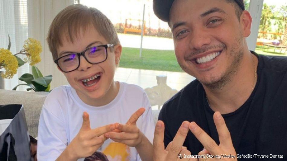 Wesley Safadão recebe em casa fã com síndrome de Down que o homenageou em festa. Vídeo!