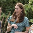 O brinco usado por Kate Middleton se esgotou em pouco tempo no site da Acessorize