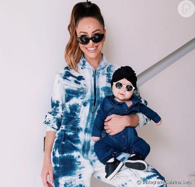 Jeans não sai da moda nunca! Sabrina Sato e a filha, Zoe, mostram que a peça é um clássico em qualquer idade
