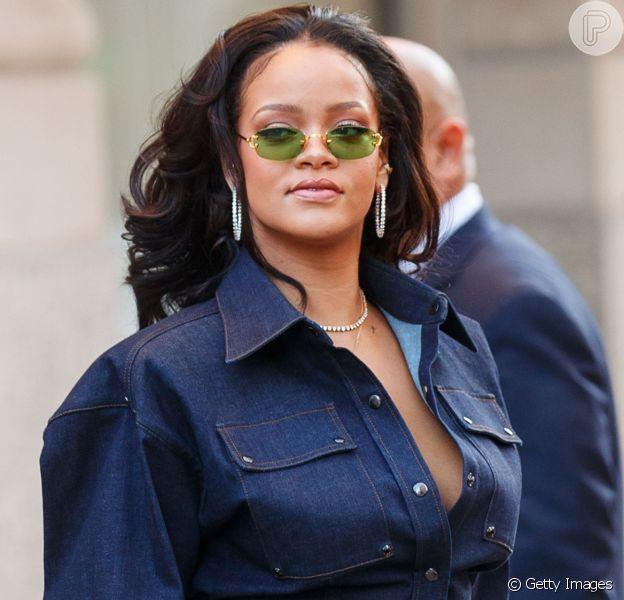 Rihanna com look total jeans